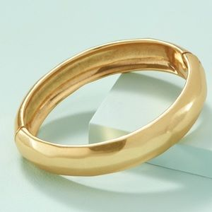Stella & Dot Essential Sculptural Bangle Gold